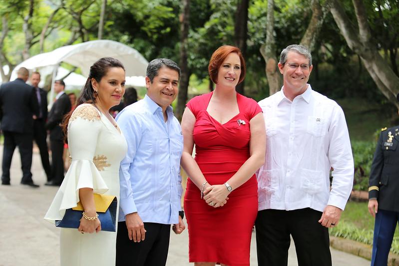 """""""Estamos en uno de los mejores momentos de la historia con EE.UU."""": presidente Hernández"""