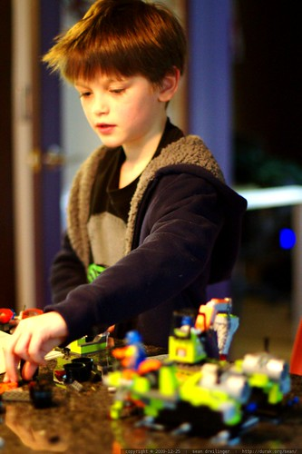 nick puts together a 475 piece power miner lego kit all by himself     MG 2127