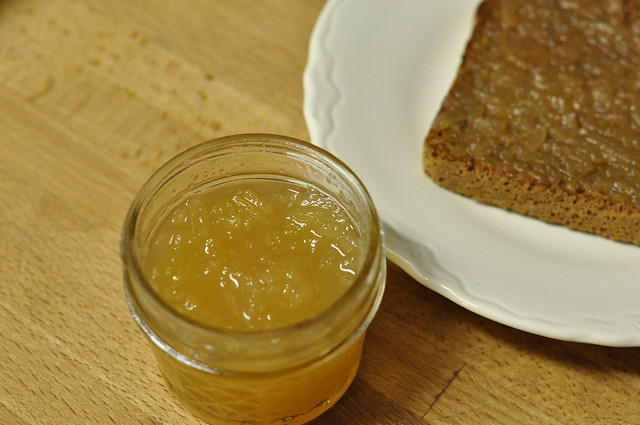 finished apple-ginger jam