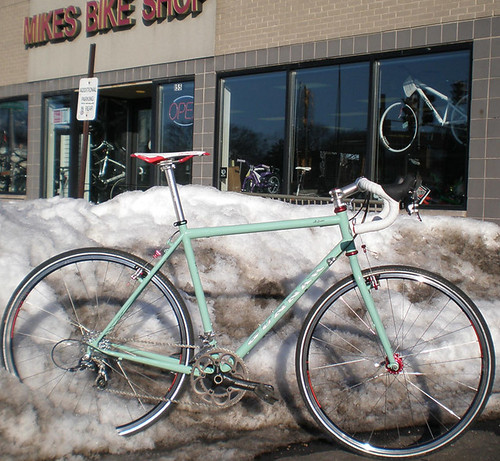 "<p>Chad's Rock Moss Green Gunnar Grand Tour posed in a Chicago area snow bank eager for summer (58221) - hot off the mechanic stand at Mikes Bikes in Palatine, where Chad works.<br /> <br /> gunnarcycles<br /> gunnarbikes <br /> <a href=""http://gunnarbikes.com"" rel=""nofollow"">gunnarbikes.com</a></p>"
