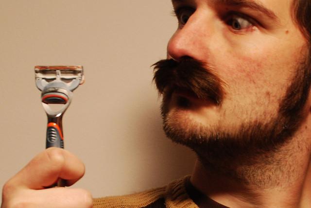 [06/52] Traveling Moustache, en het afscheid nemen daarvan...