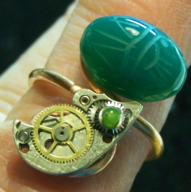 Avon Scarab Link Watch - OnlineAuction .com - Where Buyers and