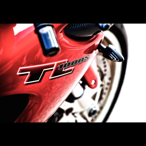 red bike wheel sport soft sweden metallic wheels 1999 småland mc brakes motor sverige suzuki carbon fiber vtwin disc brand jönköping motorcykel hoj widowmaker anderstorp gislaved tl1000s ågatan båge canon5dmarkii suzukitl1000s tokinaatx24200mmf3556 stigfelts gubbleksak
