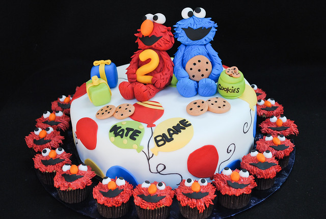 Cookie and Elmo Cake  One combination I have yet to make un ...
