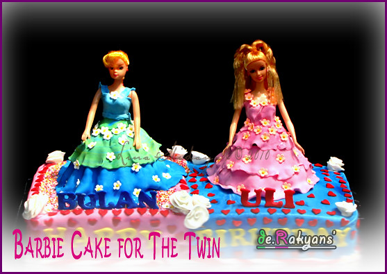 Image Twin Barbie Doll Cakes Download