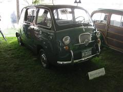city car(0.0), compact car(0.0), zastava 750(0.0), automobile(1.0), automotive exterior(1.0), vehicle(1.0), fiat 600(1.0), antique car(1.0), land vehicle(1.0),