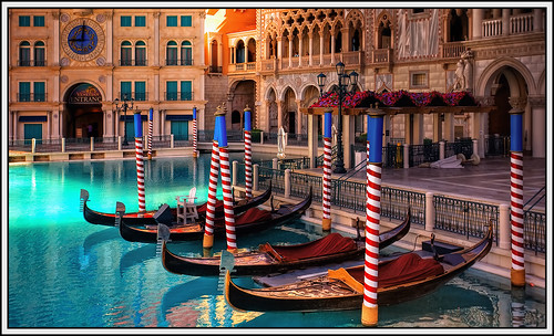 vegas venice italy rome hotel lasvegas nevada casino resort strip gondola venetian sands grandcanal venitian gondolarides