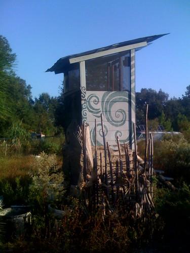 Humanure compost toilet