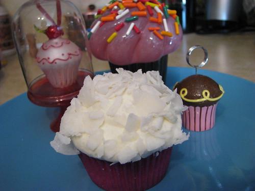 Coconut Cupcake plus imposters ;)