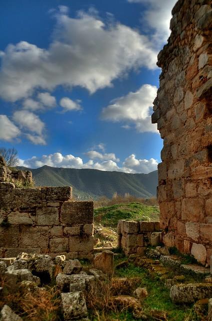 Zaraka's monastery ruins (HDR)