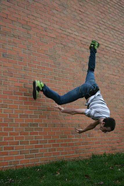 parkour wall flip - photo #6