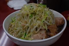 bakmi(0.0), yakisoba(0.0), noodle(1.0), pancit(1.0), cellophane noodles(1.0), produce(1.0), food(1.0), dish(1.0), soup(1.0), cuisine(1.0), chinese food(1.0),