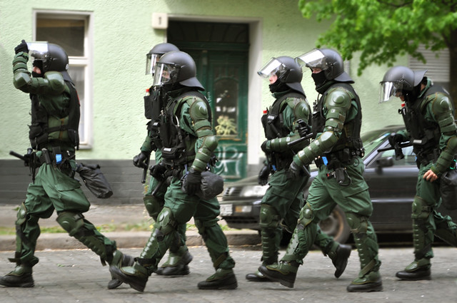 Running German Police