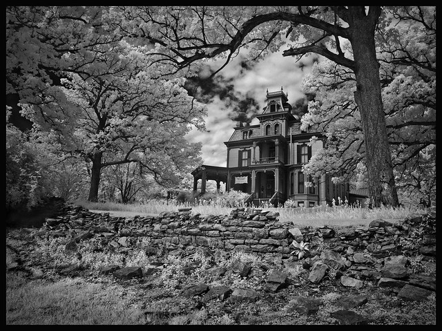 Garth Mansion Front Page, Fujifilm IS-1