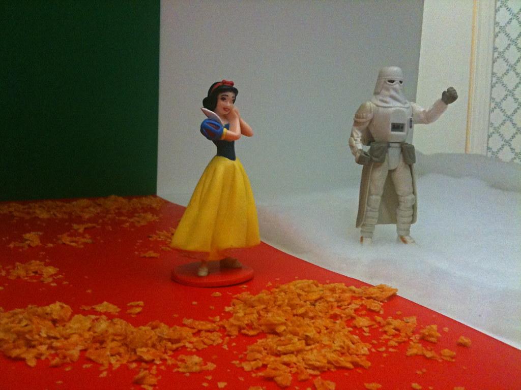 Snow White vs. Snowtrooper Setup