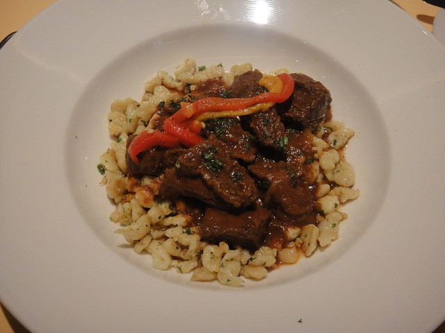 Hungarian Beef and Paprika Goulash with Roasted Pepper and Spätzle ...