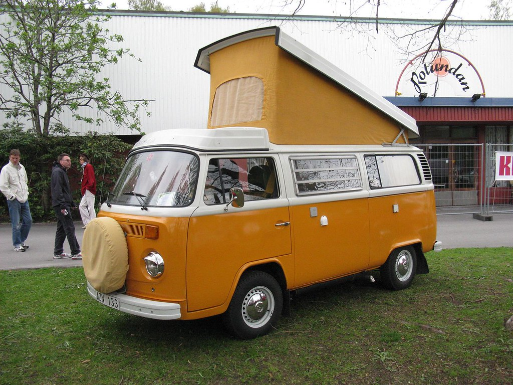 volkswagen bus t2 camper a photo on flickriver. Black Bedroom Furniture Sets. Home Design Ideas