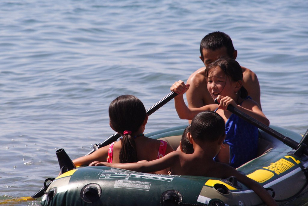 kids in the boat 2