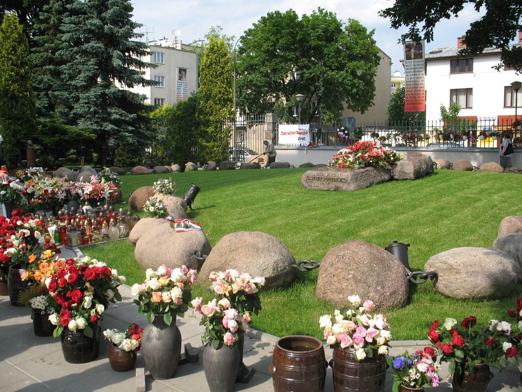 Warsaw: Grave of Blessed Jerzy Popiełuszko