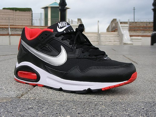 black silver skyline nike air max