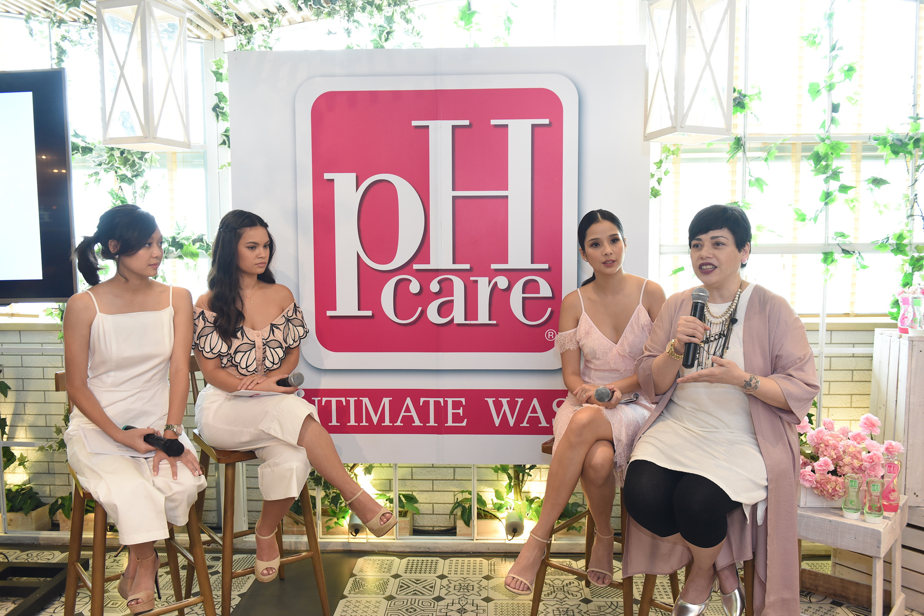 From left to right (Mica Adriano, Leila Alcasid, Maxene Magalona, and Pia Magalona