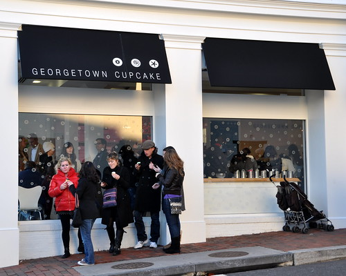 Georgetown Cupcake Crowd