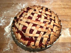 pie, baking, linzer torte, baked goods, produce, food, dish, dessert, cherry pie, cuisine,