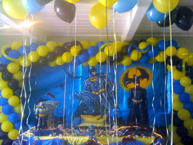 Batman birthday shrine amazing batman birthday party for R b party decorations