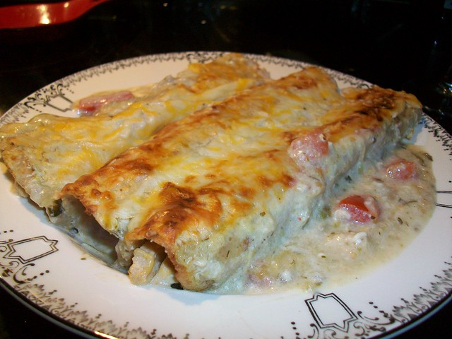 "Enchiladas Suizas de ""Pollo"" Seitan 
