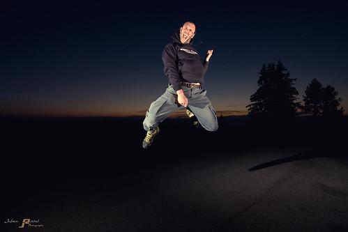 lighting nightphotography light sunset cactus lightpainting france night montagne canon jump airguitar tokina johanna vivitar nuit saut chamrousse towersoflondon isère rhônealpes 1224f4 strobist strobism eos40d mrdin blueju38 julienratel julienratelphotography blueju nicolasbdotnet misterclic juliendesclics sebastienbrunet