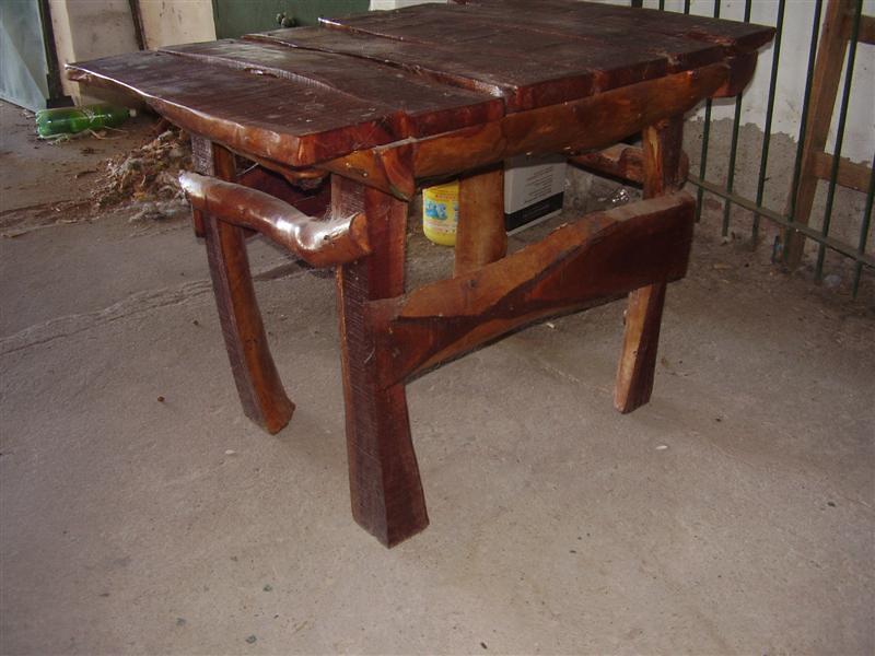 Te ense o a hacer una mesa rustica bajo costo taringa for Como hacer una mesa de madera rustica