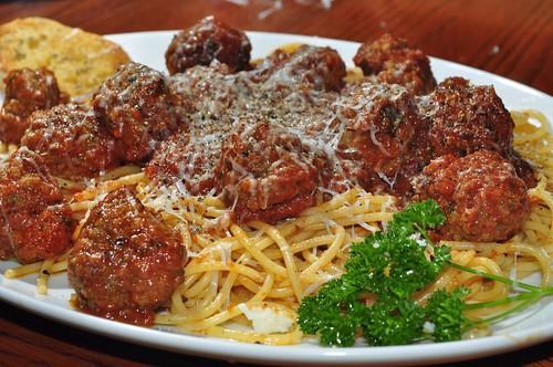 Spaghettis aux boulettes de viande - © jeffreyw / Flickr CC.