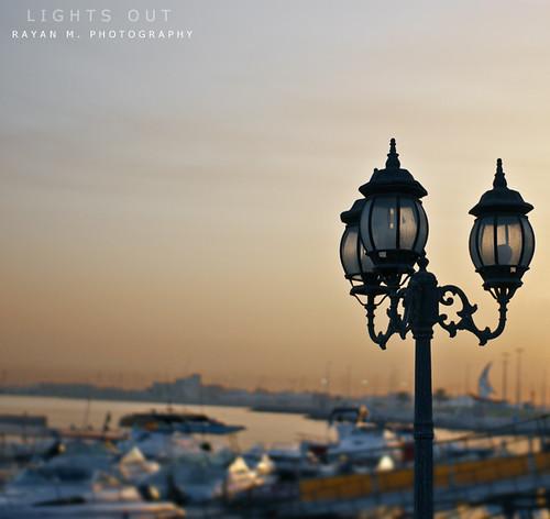 morning light beach marina docks sunrise 50mm coast early dof pole jeddah shipyard saudiarabia lightsout ساحل فانوس الصباح شاطئ مرسى قوارب المملكةالعربيةالسعودية سفن جده عمود إنارة rayanmphotography
