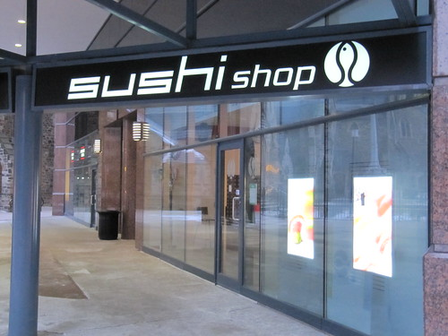 sushi shop restaurant in avignon france travel guide tripwolf. Black Bedroom Furniture Sets. Home Design Ideas