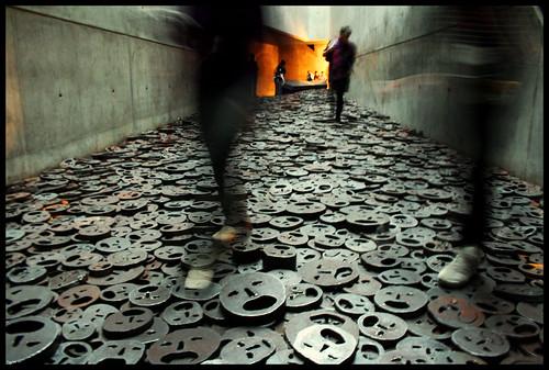 27 Gennaio Giorno della Memoria - Per Non Dimenticare........ - The Screams From Afar.... by rogilde - roberto la forgia