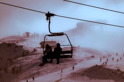 mountain snow france fog photoshop montagne alpes geotagged nikon raw dof foggy neige acr brouillard brume chairlift skieurs skiers chamrousse d300 télésiège isère sportsdhiver winterresort pixelistes nikonfrance afsvr70300mm clicknflickritis nikonistes geo:lat=45125526 geo:lon=5901927