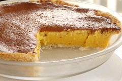 pie, sweet potato pie, baked goods, custard pie, food, dish, dessert, cuisine, pudding,