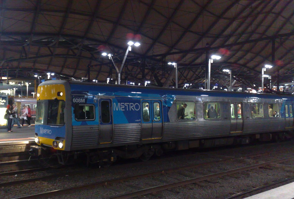 Comeng train in Metro livery