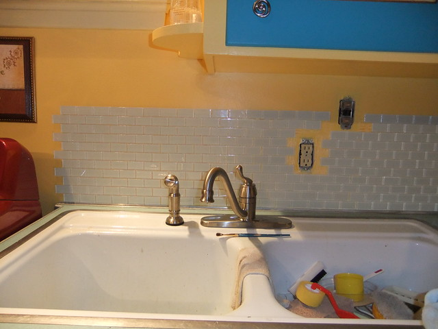 laundry room sink backsplash progress and it 39 s level by soozums