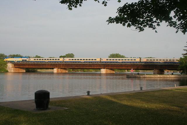 Via Train crossing a bridge by https://www.flickr.com/photos/bobolink/