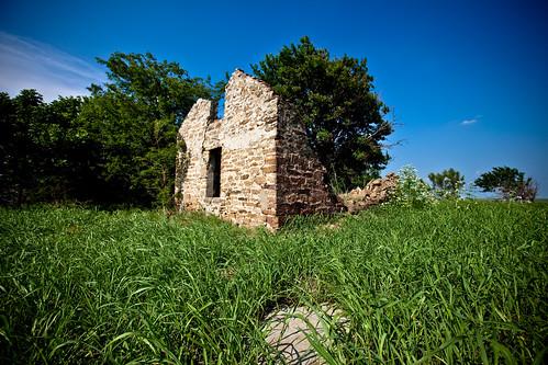 old blue summer sky urban building green grass stone canon exploring ks kansas 5d exploration ue mkii urbex 1635