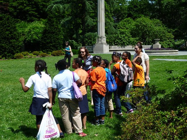Brooklyn schoolchildren watch the installation. Photo by Elizabeth Peters.