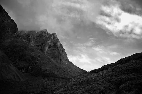 vacation blackandwhite bw peru southamerica trekking trek nikon andes nikkor d300 18200mmf3556gvr