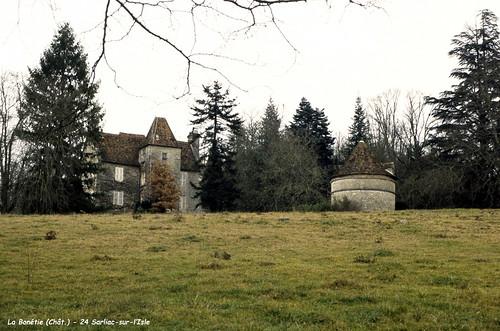 24 Sarliac- sur-l'Isle - Château La Bonetie