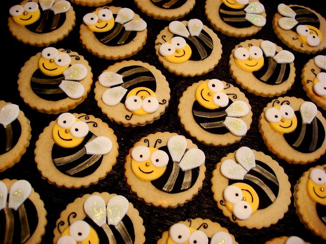 Bumble Bee Cookies | Super cute Bumble Bee cookies for a lit ...