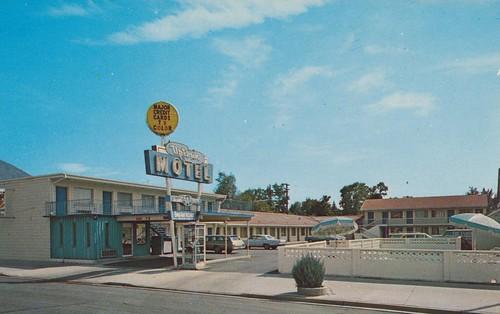 Wish you were hear uptown motel provo utah for Oasis motors corpus christi