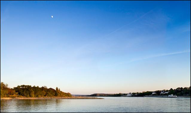 Spring evening at Rhine bank
