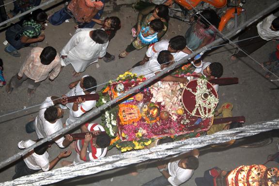Sai Baba Palaki 7-5-2010 (8) a