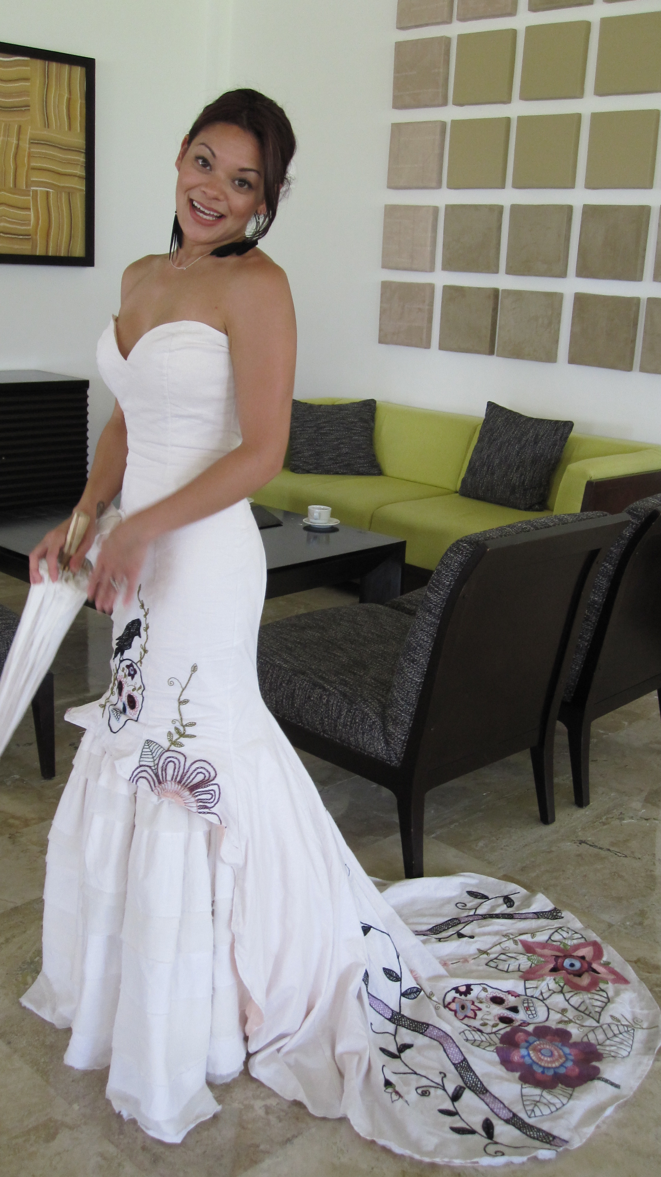 Jazmin 39 s muy caliente wedding dress inspired by a pop for Dresses for mexico wedding