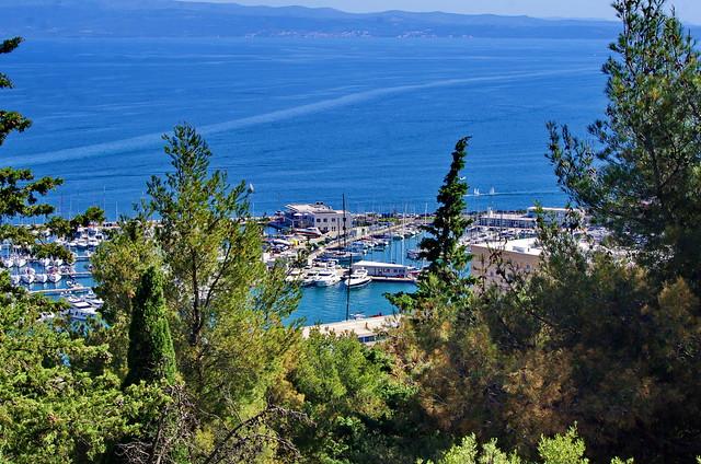 231 - Split, Croatie, Mai 2017 - en montant vers le parc  Šuma Marjan, le port de plaisance
